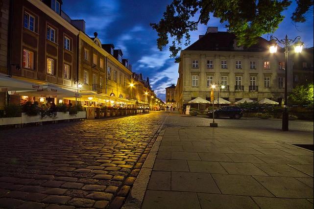 Wynajem samochodów luksusowych: Warszawa - oferta